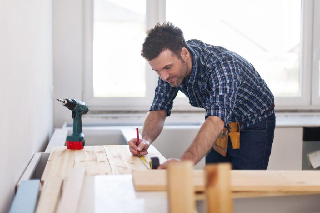 diy comment fabriquer soi m me sa table manger. Black Bedroom Furniture Sets. Home Design Ideas