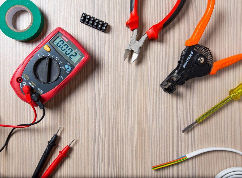 outils pour électricien