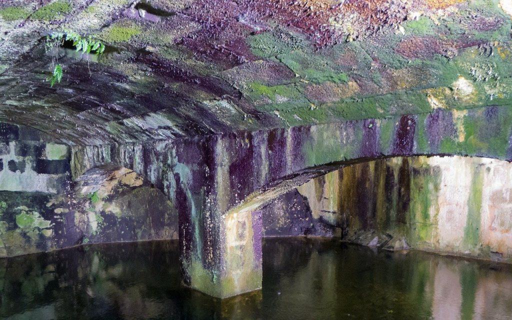 cave inondée