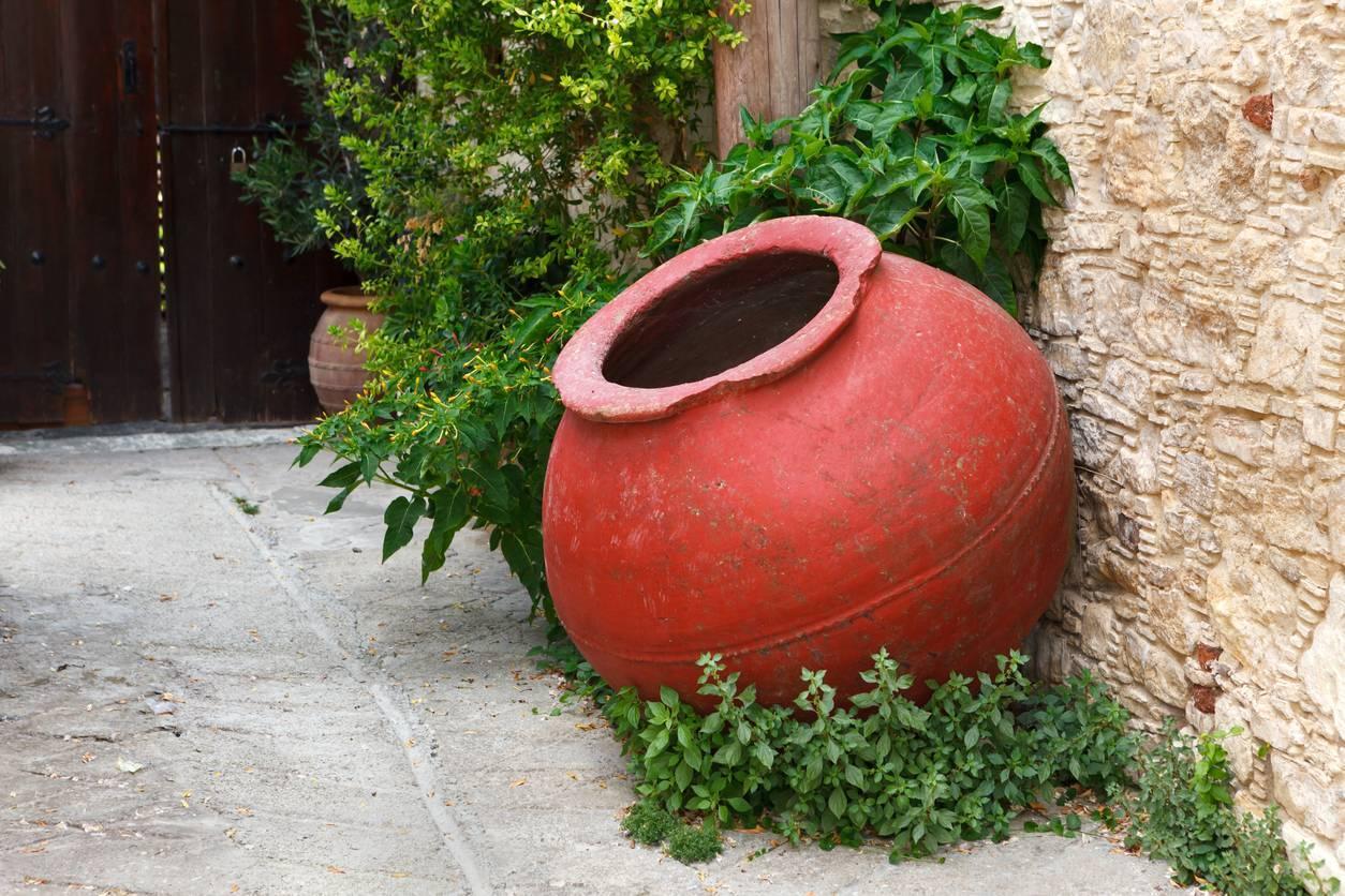 pot en terre cuite pour déco extérieure