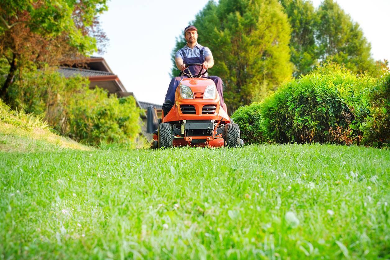 Prendre soin de sa tracteur tondeuse