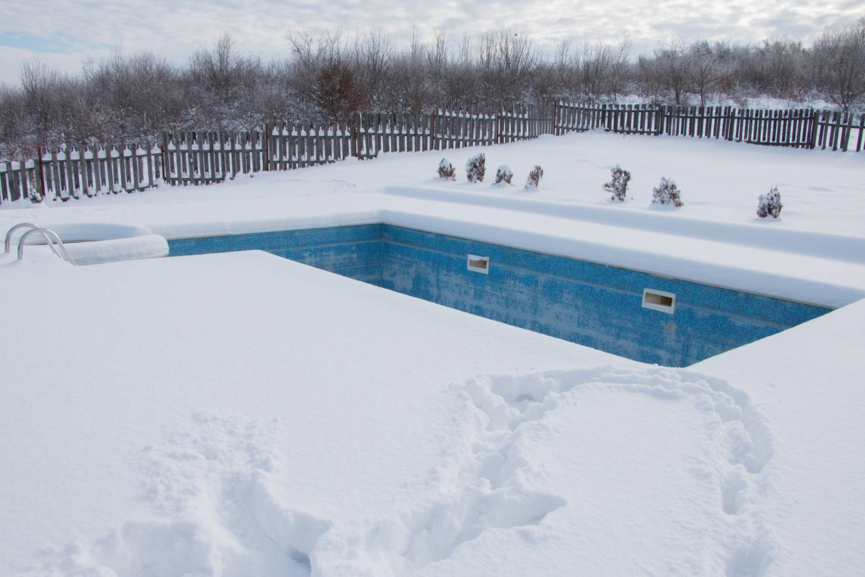 protéger sa piscine durant l'hiver